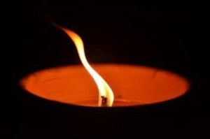 candle-at-night--burning_19-126713